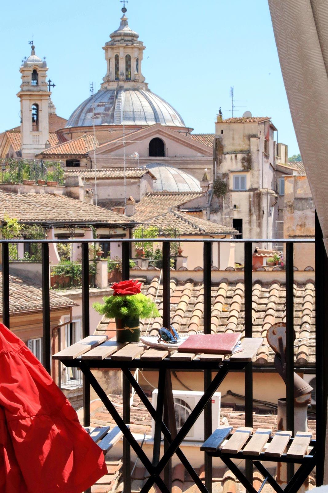 Camera Deluxe con Balcone | B&B Terrazze Navona Rome